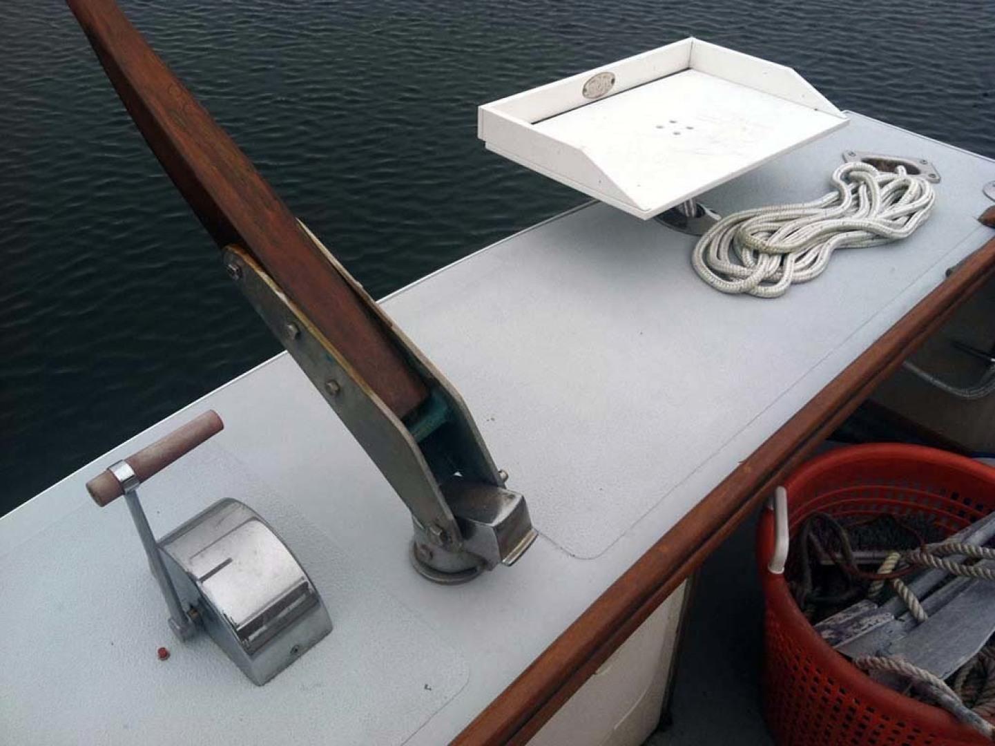 Webbers Cove-Downeast 1996-TIKI Jamestown-Rhode Island-United States-Stern Helm Tiller Steering-1354551 | Thumbnail