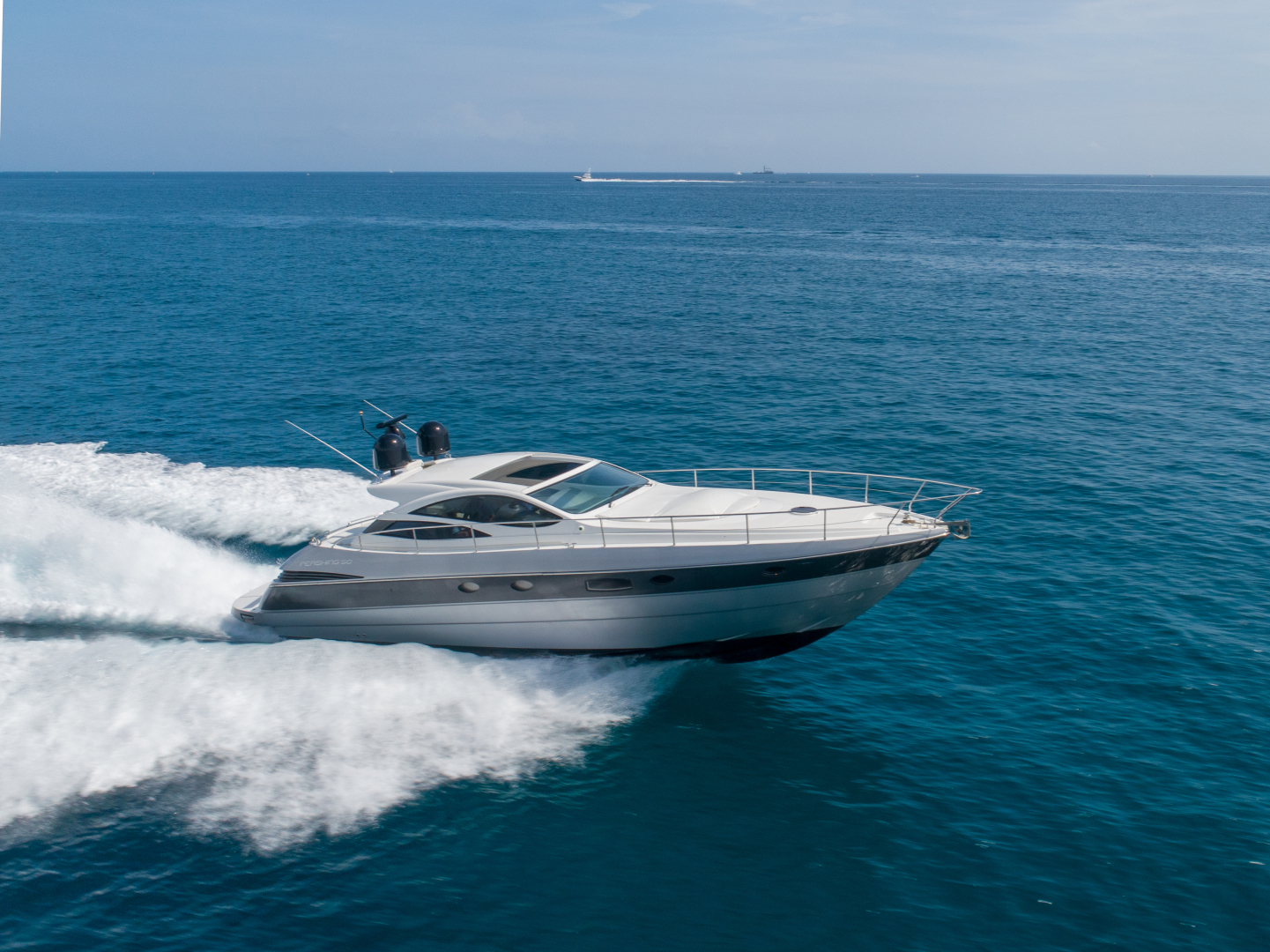 Picture Of: 51' Pershing Express 2004 Yacht For Sale   1 of 37