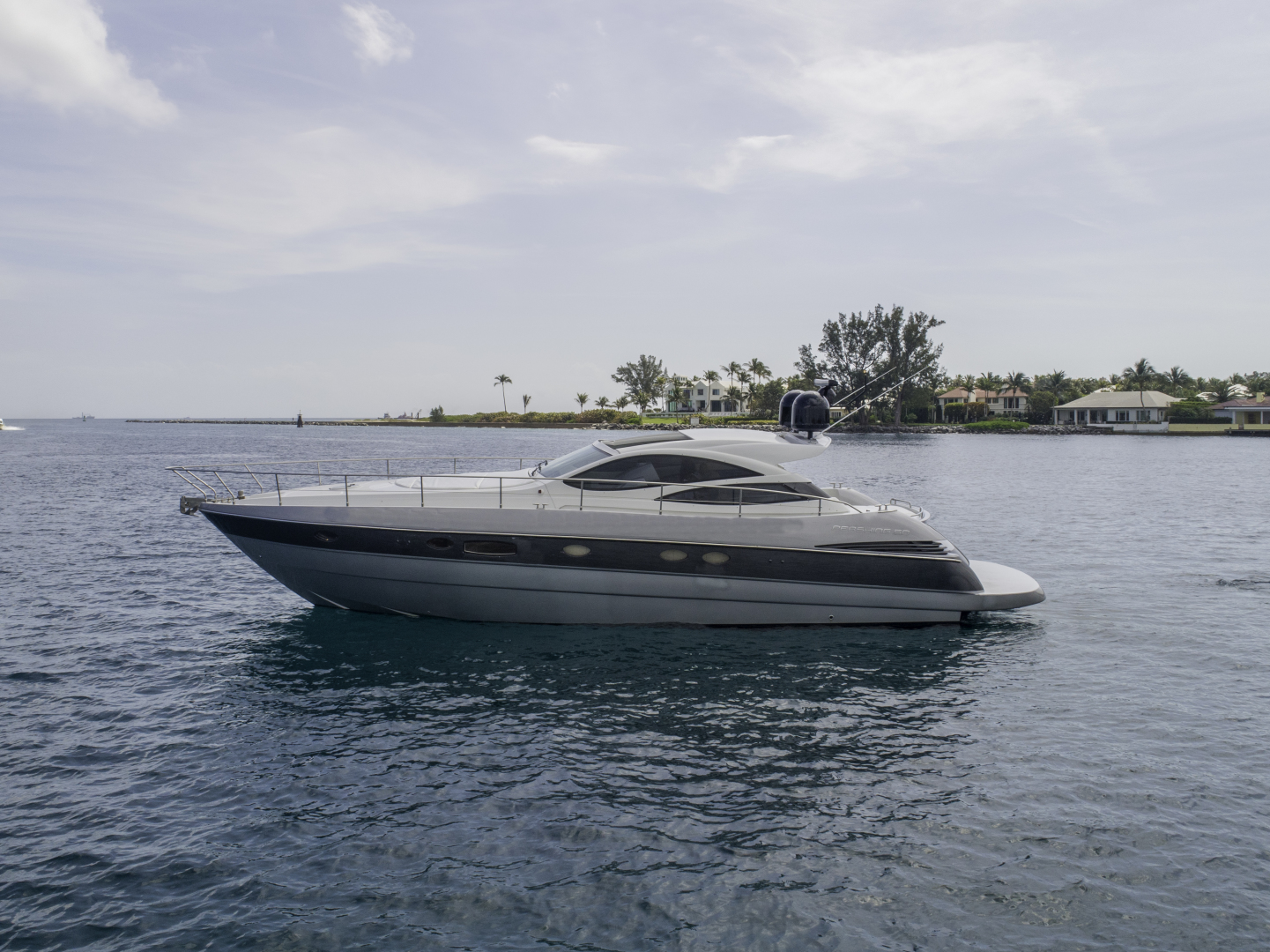Picture Of: 51' Pershing Express 2004 Yacht For Sale | 2 of 37