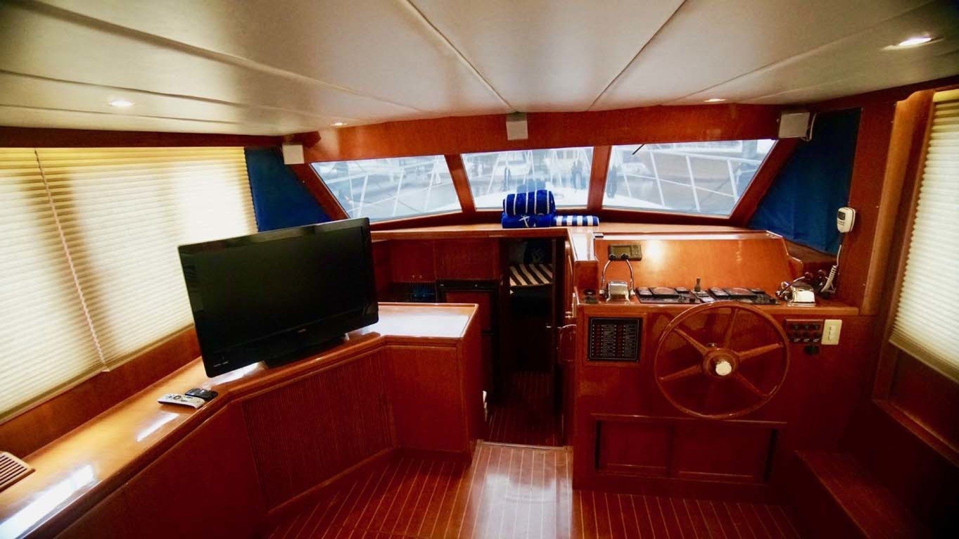 Novatec-48 Fast Trawler 2003-SINE DIE II Destin-Florida-United States-Salon Looking Forward-1360615 | Thumbnail