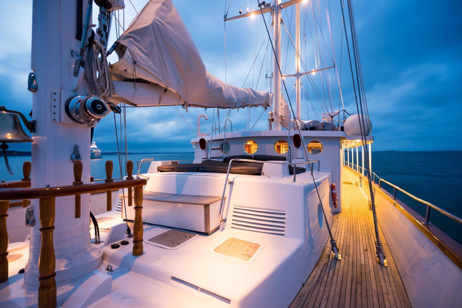 Palmer Johnson-Tri-Masted Staysail 1983-Arabella  Newport-Rhode Island-United States-1355675 | Thumbnail