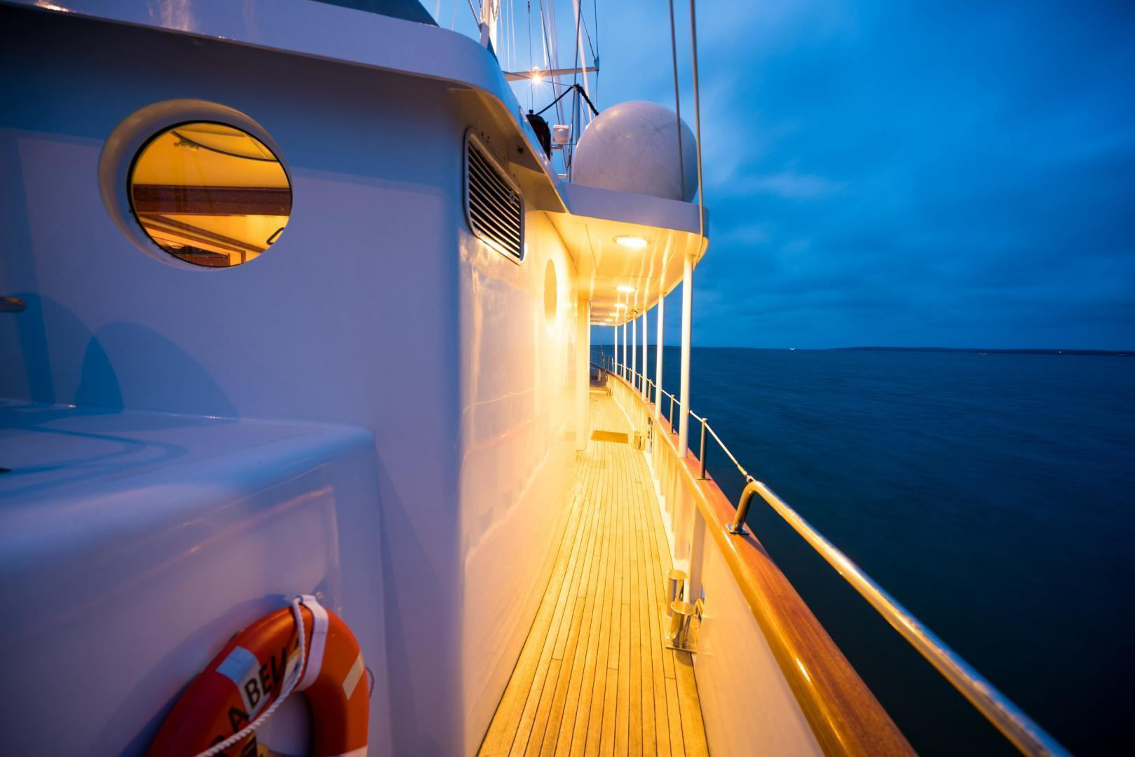 Palmer Johnson-Tri-Masted Staysail 1983-Arabella  Newport-Rhode Island-United States-1355677 | Thumbnail