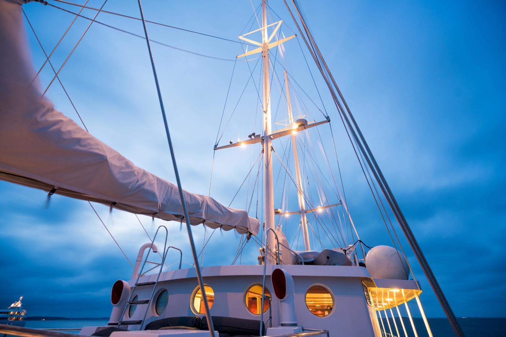 Palmer Johnson-Tri-Masted Staysail 1983-Arabella  Newport-Rhode Island-United States-1355676 | Thumbnail