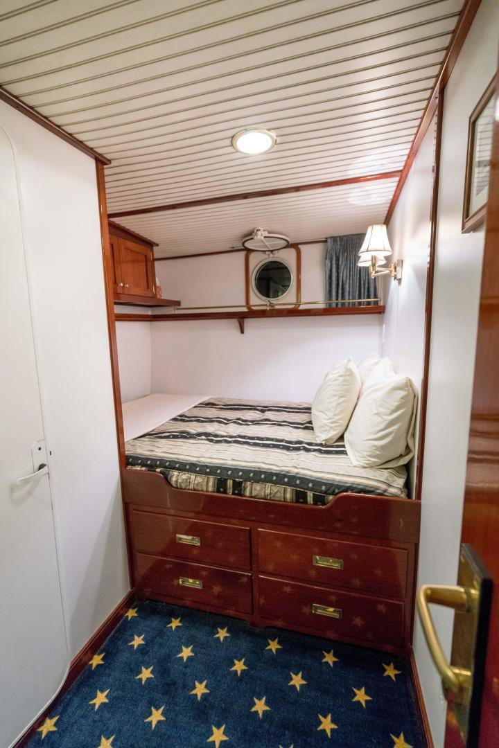 Palmer Johnson-Tri-Masted Staysail 1983-Arabella  Newport-Rhode Island-United States-1355669 | Thumbnail