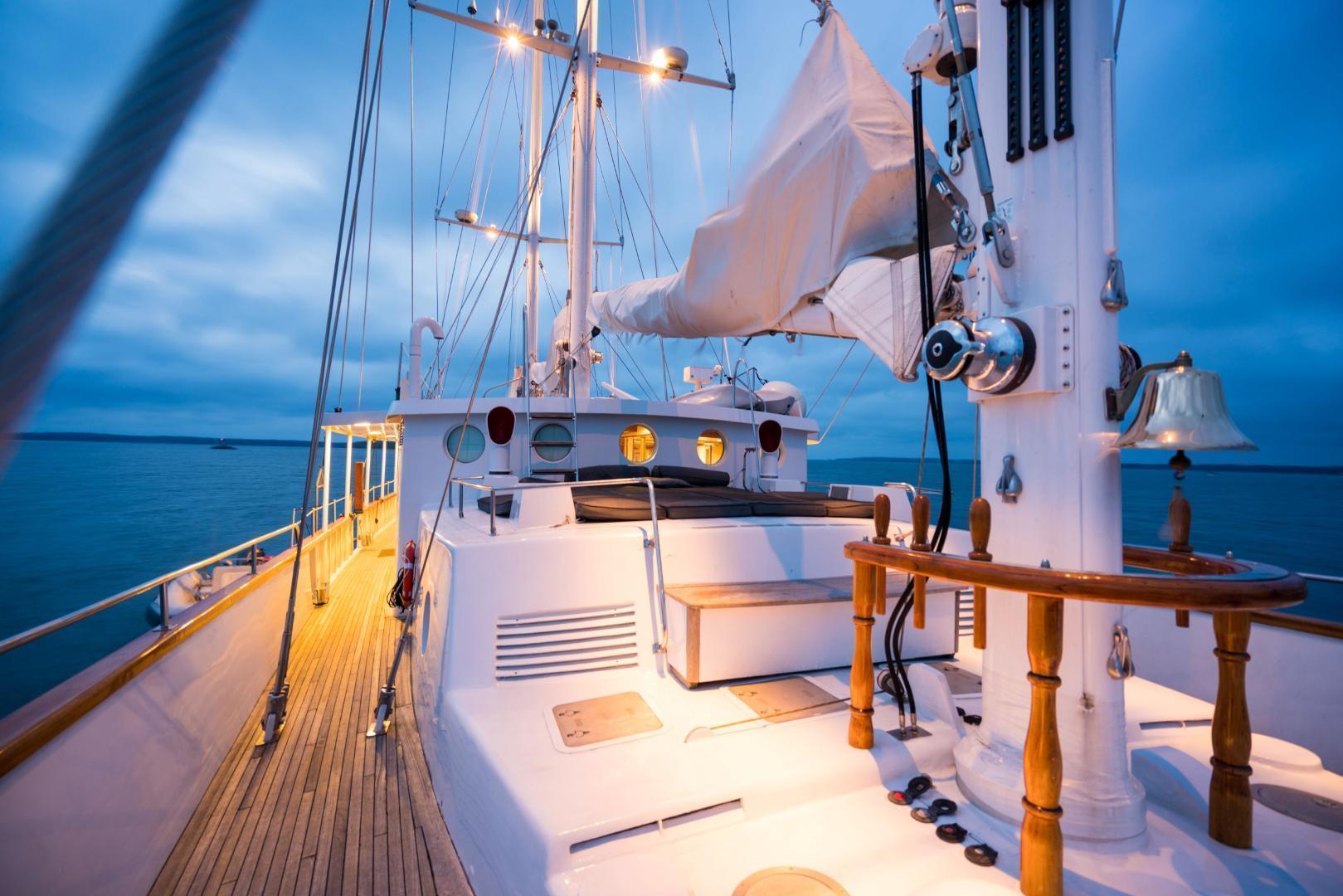 Palmer Johnson-Tri-Masted Staysail 1983-Arabella  Newport-Rhode Island-United States-1355674 | Thumbnail