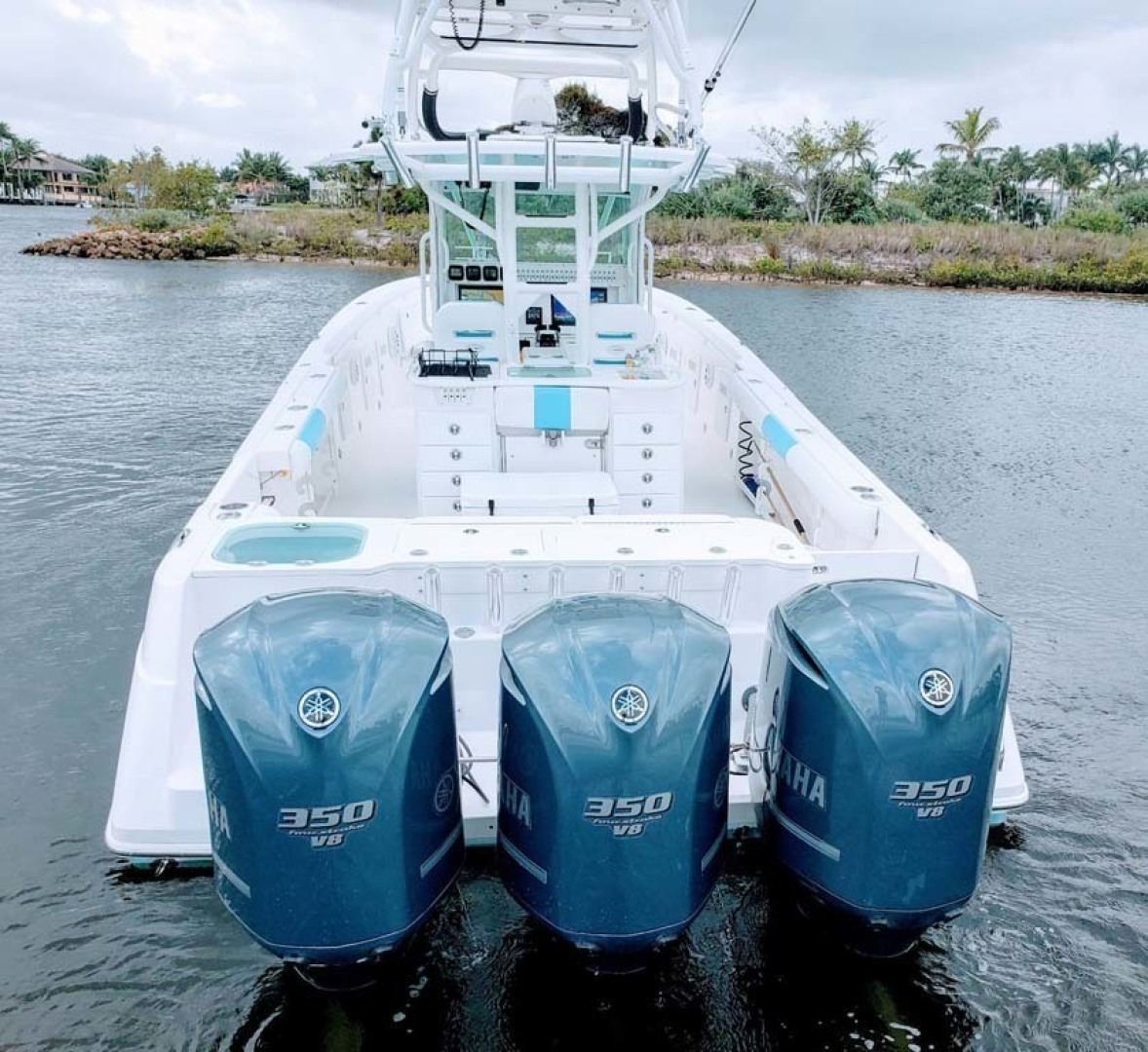 Everglades-350 CC 2011-Sea Predator Palm Beach Gardens-Florida-United States-Stern View With Triple 350 Yamaha-1359658 | Thumbnail