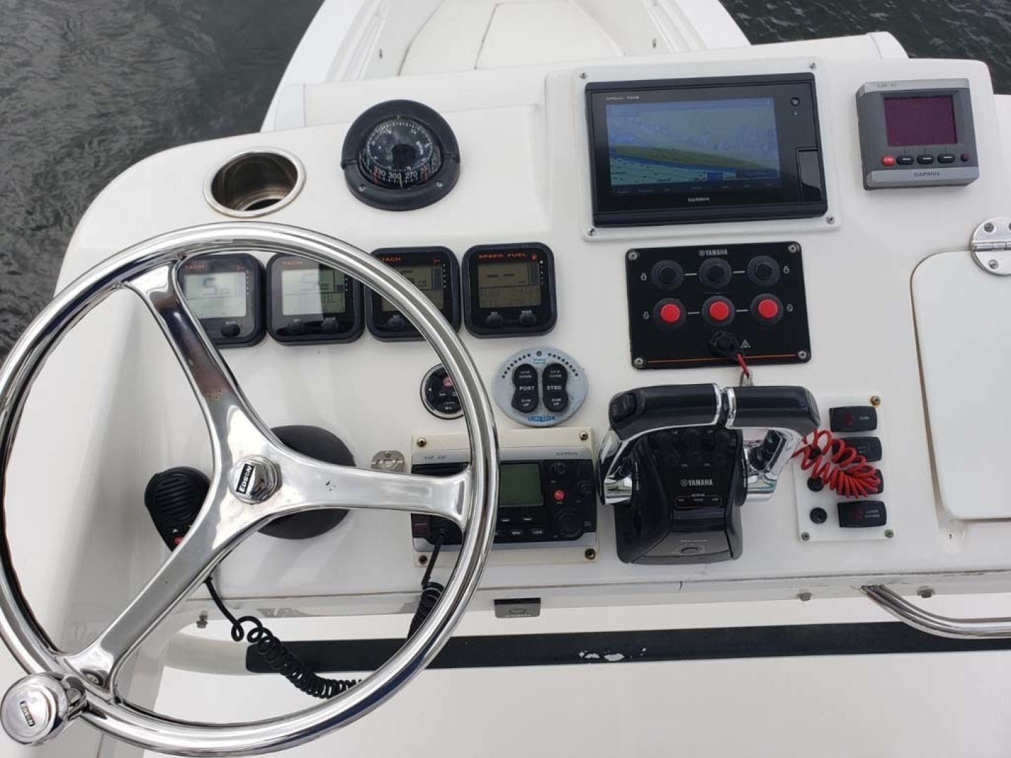Everglades-350 CC 2011-Sea Predator Palm Beach Gardens-Florida-United States-Helm And Electronics-1359635 | Thumbnail