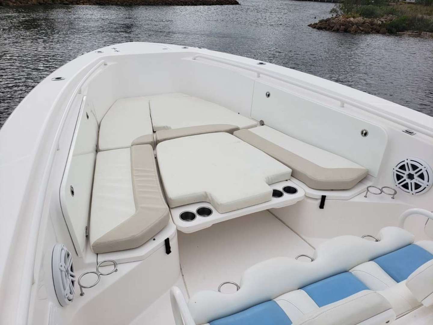 Everglades-350 CC 2011-Sea Predator Palm Beach Gardens-Florida-United States-Bow Seating And Lounging With Electric Pop Up Table For Picnicking-1359615 | Thumbnail