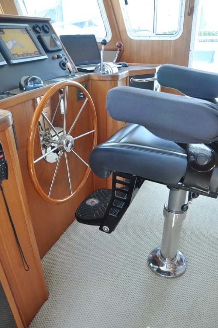 American Tug-41 Trawler 2005-UNFORGETTABLE Port St. Lucie-Florida-United States-Helm Chair-1361157 | Thumbnail