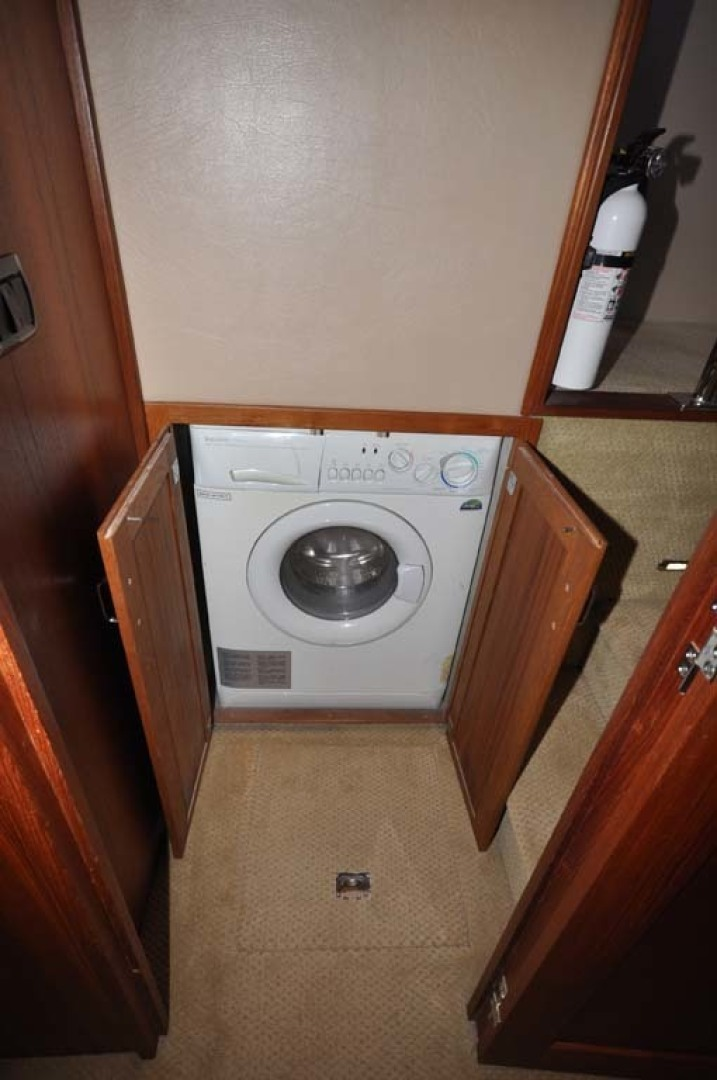 American Tug-41 Trawler 2005-UNFORGETTABLE Port St. Lucie-Florida-United States-Washer And Dryer-1361165 | Thumbnail