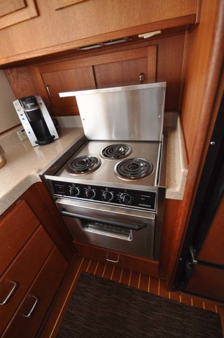 American Tug-41 Trawler 2005-UNFORGETTABLE Port St. Lucie-Florida-United States-Oven And Stove-1361149 | Thumbnail