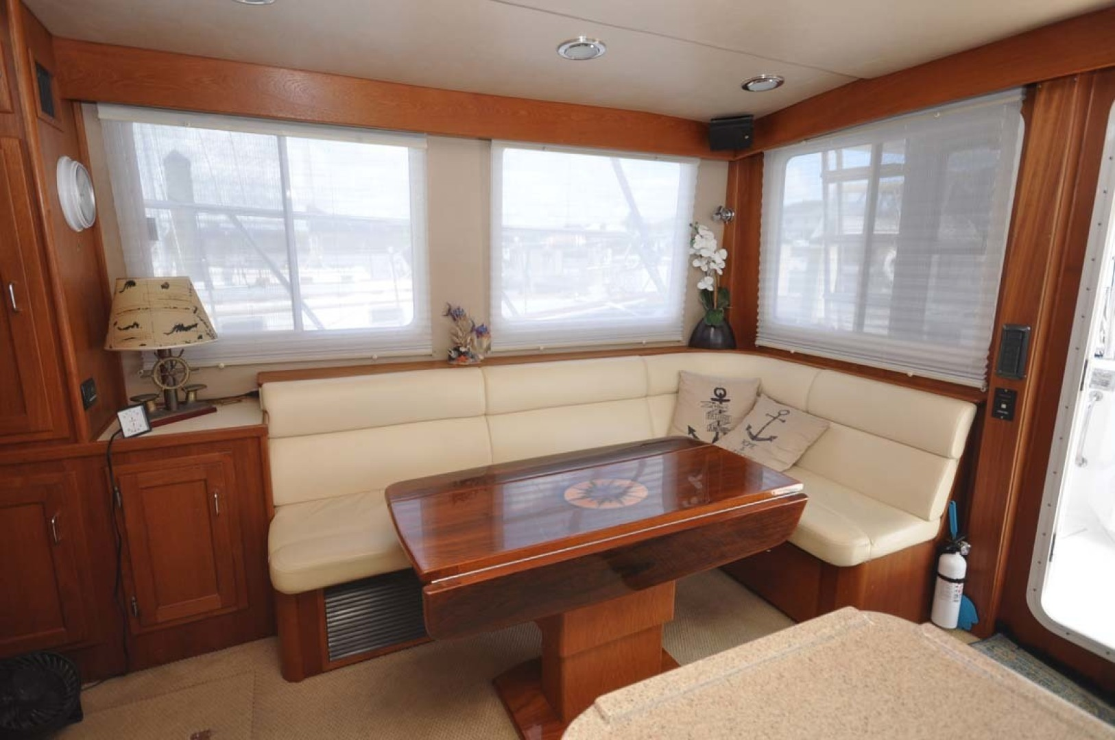 American Tug-41 Trawler 2005-UNFORGETTABLE Port St. Lucie-Florida-United States-Salon Seating-1361146 | Thumbnail