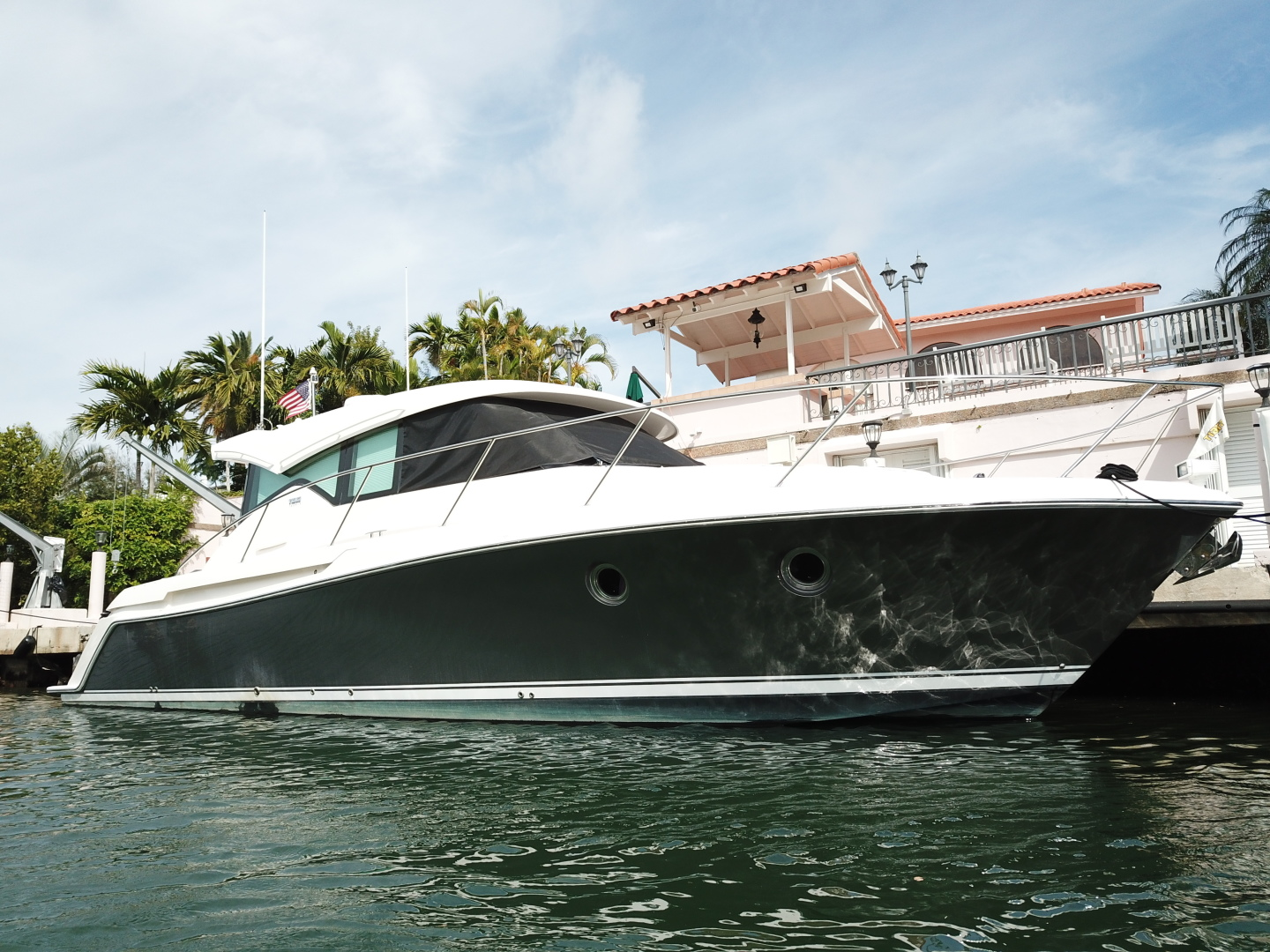 Picture Of: 40' Tiara 39 Coupe 2016 Yacht For Sale | 2 of 22