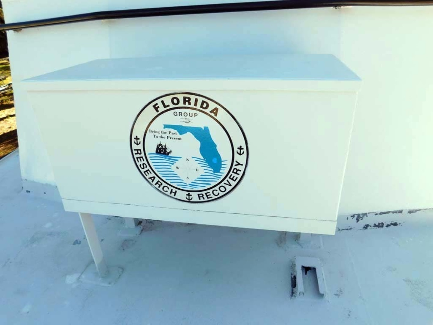Derecktor-Custom Research Recovery 1976-Damit Janet V Ponce Inlet-Florida-United States-Bow Locker-1361851 | Thumbnail