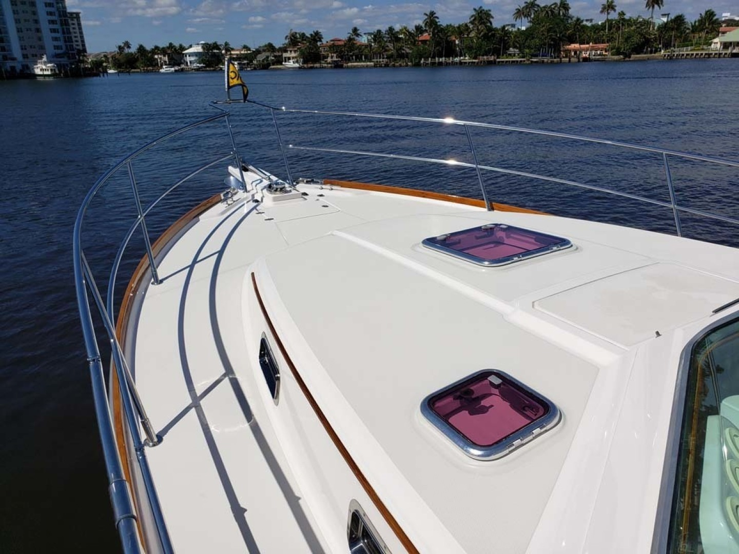 Sabre-Express 2007-7th Heaven Palm Beach Gardens-Florida-United States-Foredeck-1367233 | Thumbnail