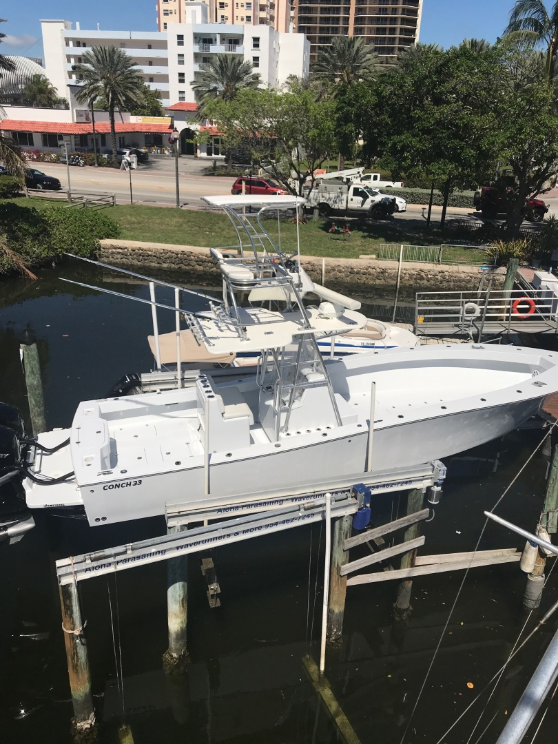 Conch-33 Center Console 2017-33 Center Console FT. LAUDERDALE-United States-1366690 | Thumbnail