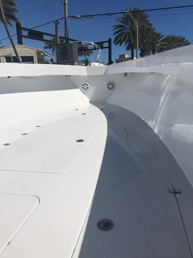 Conch-33 Center Console 2017-33 Center Console FT. LAUDERDALE-United States-1366686 | Thumbnail