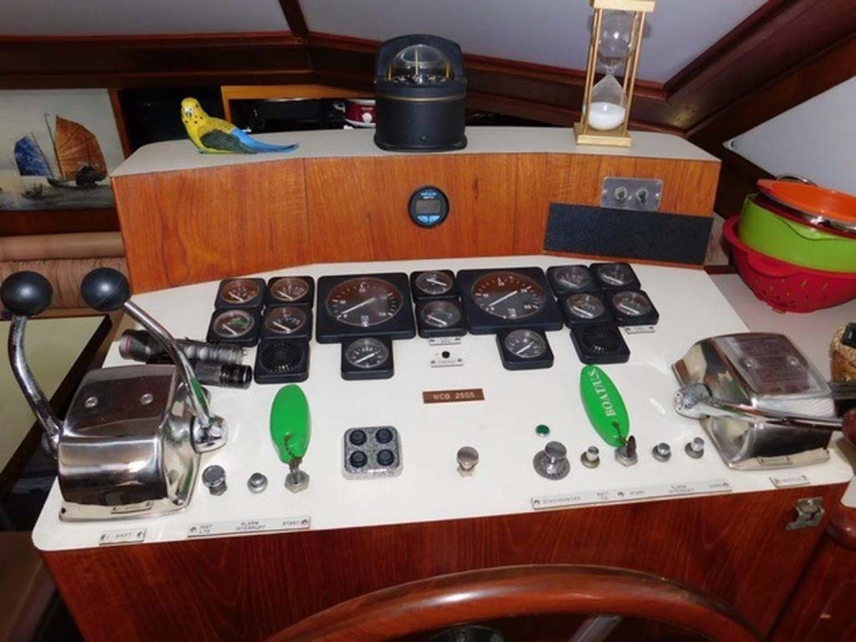 Californian-45 Aft Cabin Motor Yacht 1989-Last Tango Merritt Island-Florida-United States-Lower Helm-1367148   Thumbnail