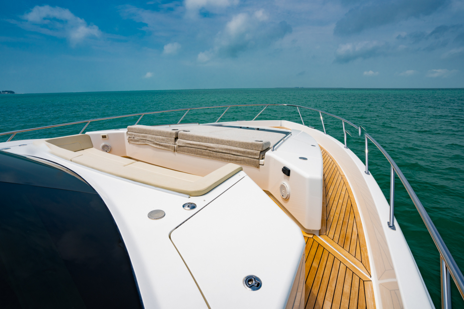 Viking-82 Cockpit MY 2019-Make It Happen Sanibel -Florida-United States-Viking 82CPMY Make It Happen  Walkway-1378569 | Thumbnail