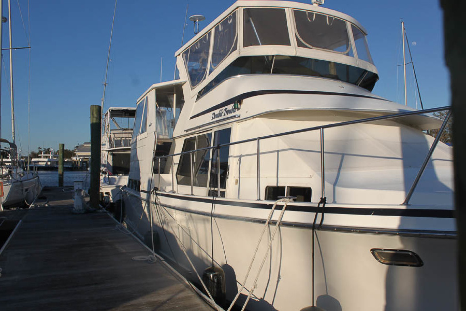 44' Tollycraft 1992 Cockpit Motor Yacht Double Trouble