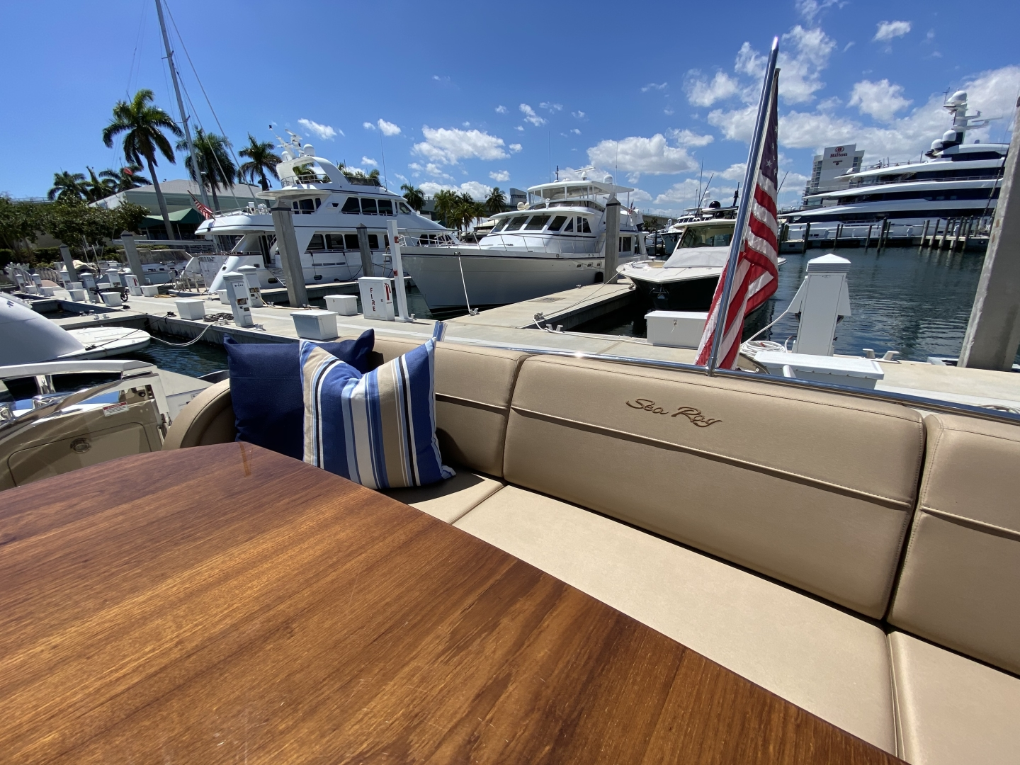 Sea Ray-L650 Express 2016-Cozy Fort Lauderdale-Florida-United States-2016 Sea Ray L650 Cozy   Cockpit-1372396 | Thumbnail