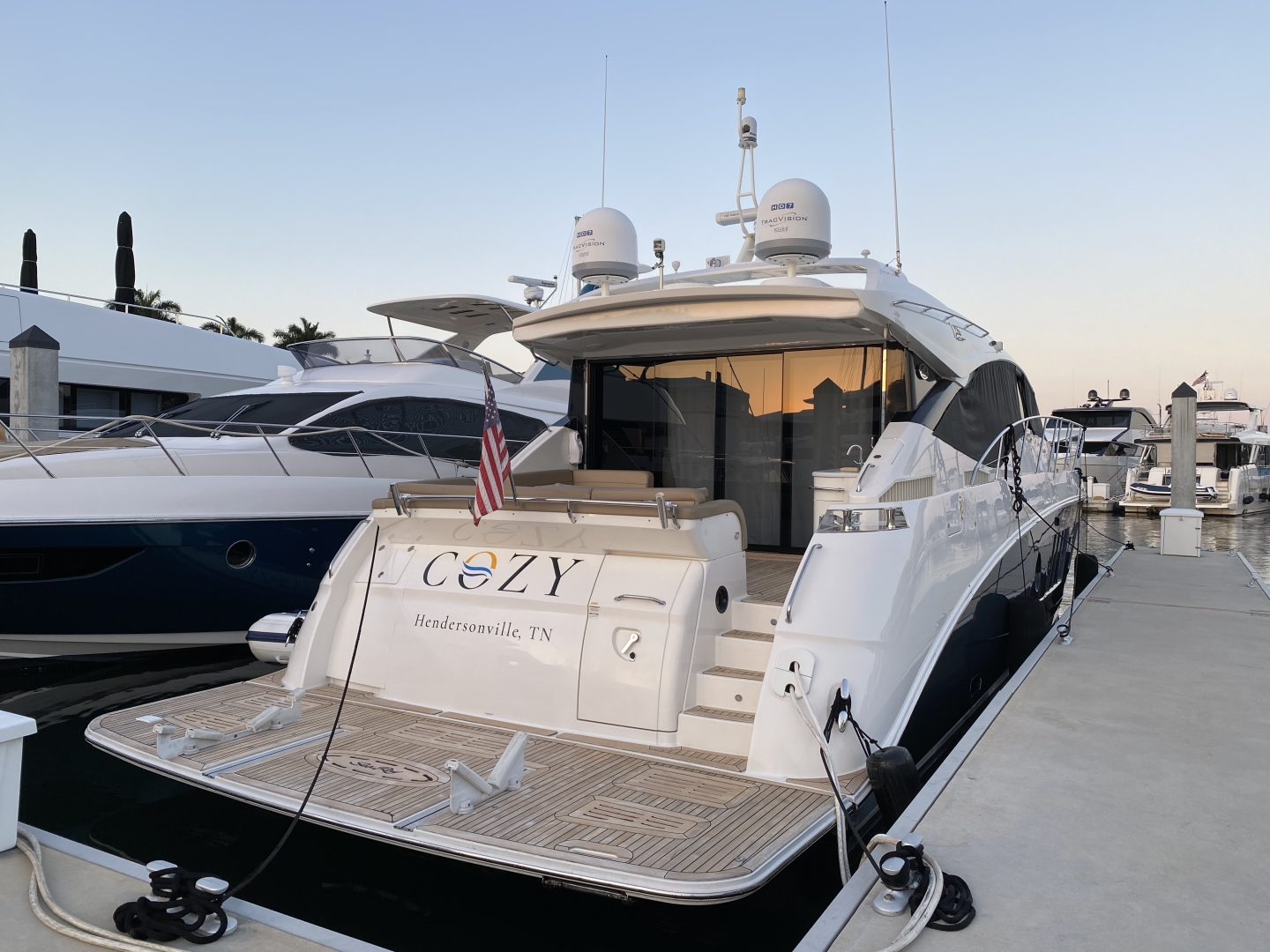 Sea Ray-L650 Express 2016-Cozy Fort Lauderdale-Florida-United States-2016 Sea Ray L650 Cozy   Transom-1372415 | Thumbnail