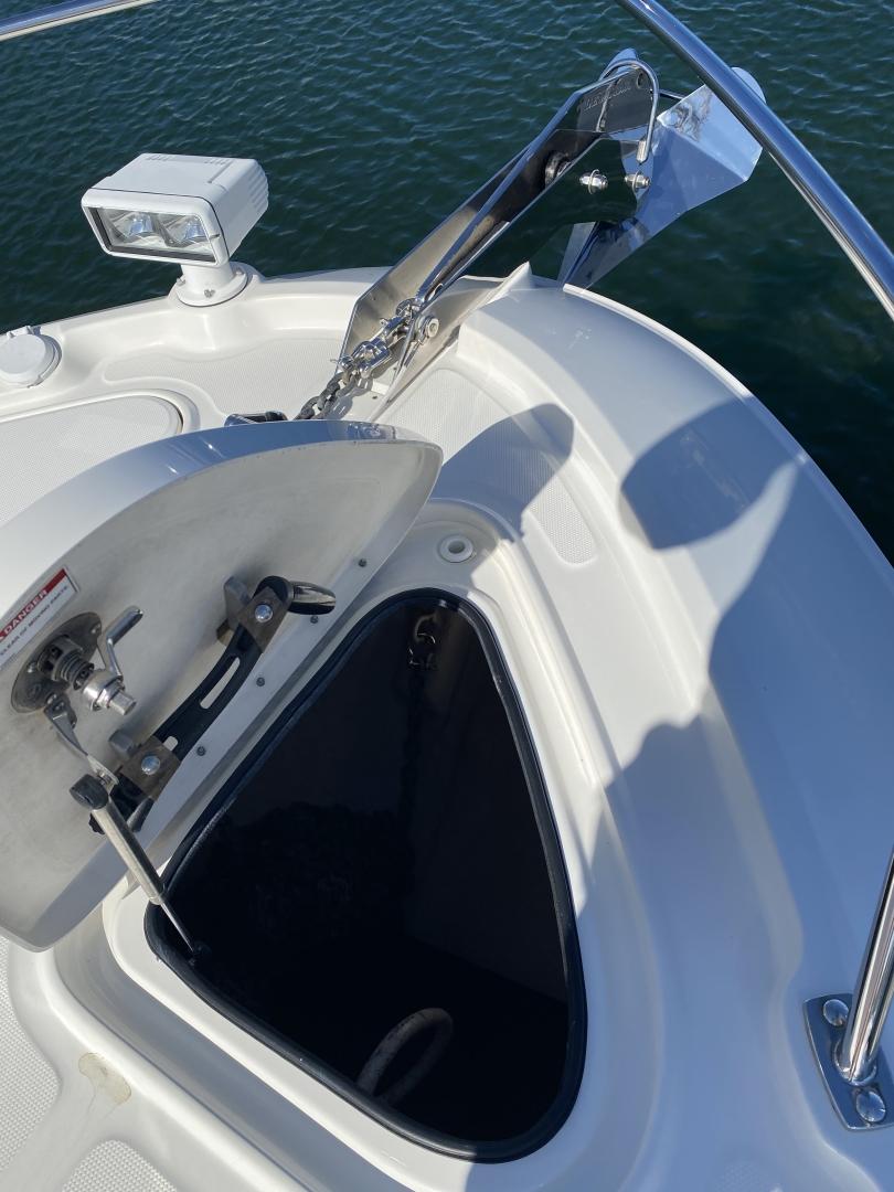 Sea Ray-L650 Express 2016-Cozy Fort Lauderdale-Florida-United States-2016 Sea Ray L650 Anchor Locker-1367771 | Thumbnail