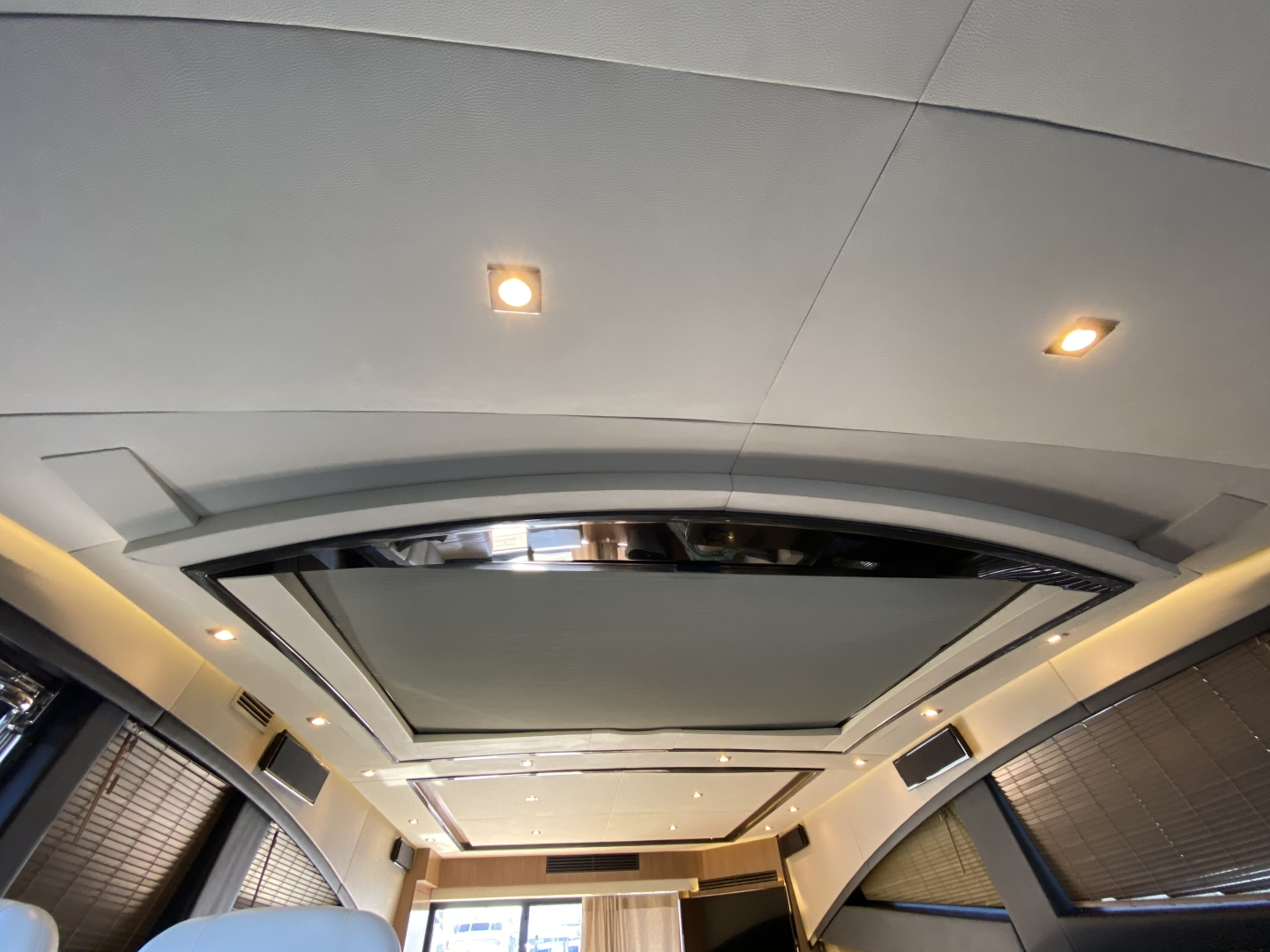 Sea Ray-L650 Express 2016-Cozy Fort Lauderdale-Florida-United States-2016 Sea Ray L650 Moon Roof-1367780 | Thumbnail