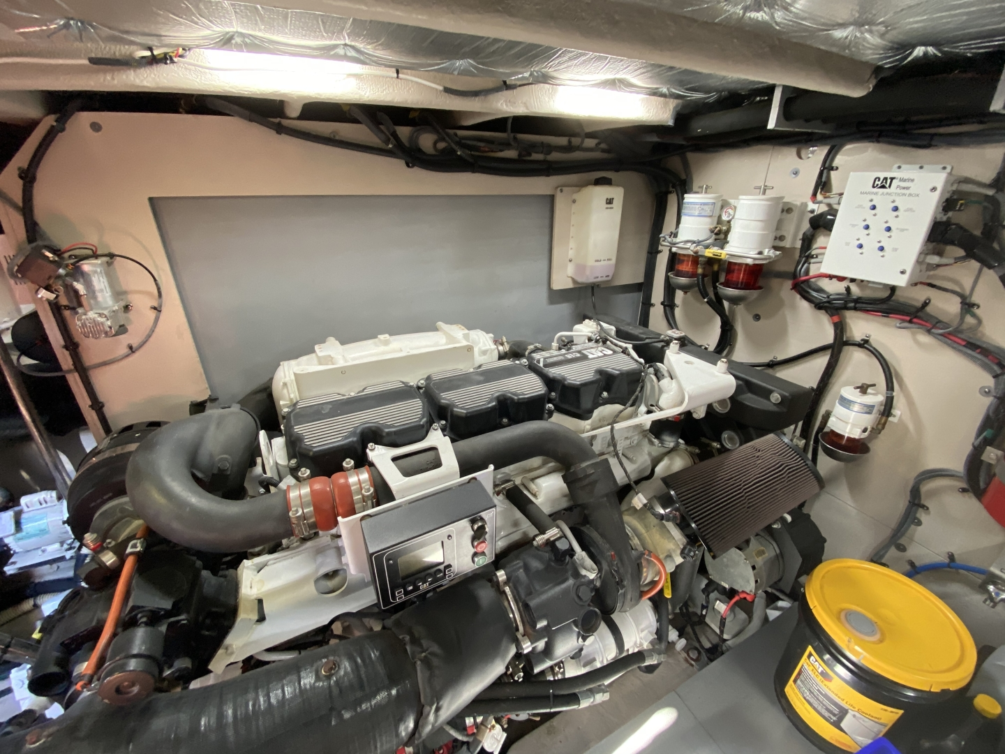 Sea Ray-L650 Express 2016-Cozy Fort Lauderdale-Florida-United States-2016 Sea Ray L650 Engine Room-1367684 | Thumbnail