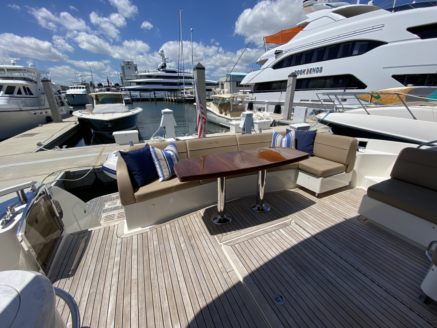Sea Ray-L650 Express 2016-Cozy Fort Lauderdale-Florida-United States-2016 Sea Ray L650 Cozy   Cockpit-1372393 | Thumbnail