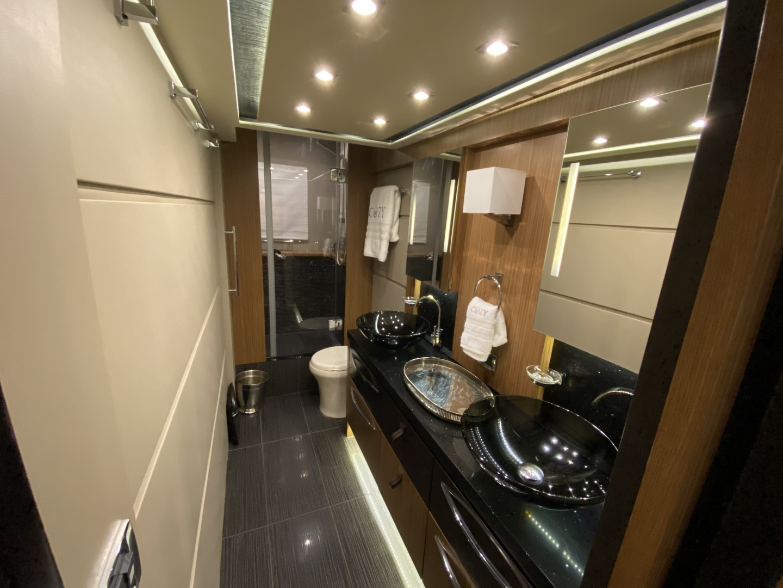 Sea Ray-L650 Express 2016-Cozy Fort Lauderdale-Florida-United States-2016 Sea Ray L650 Master Head-1367670 | Thumbnail