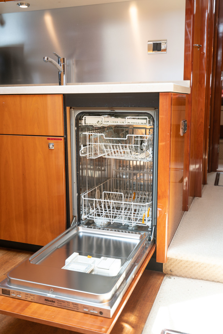64 Sunseeker Dishwasher