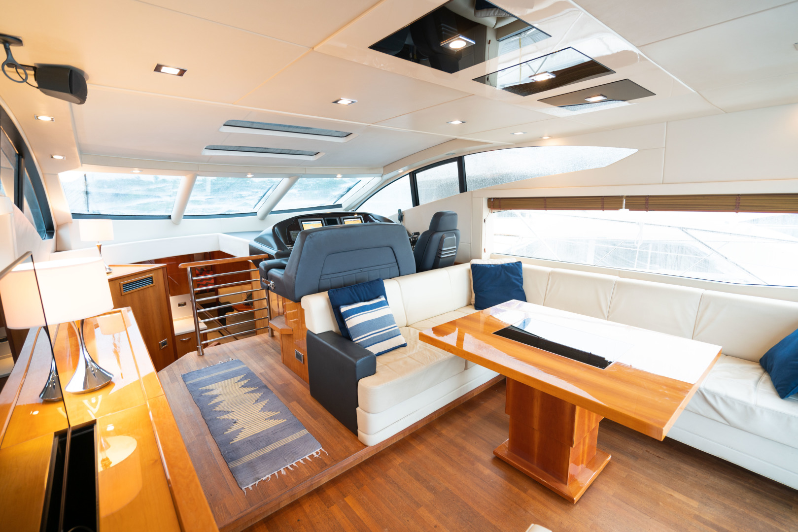 64 Sunseeker Salon/Helm