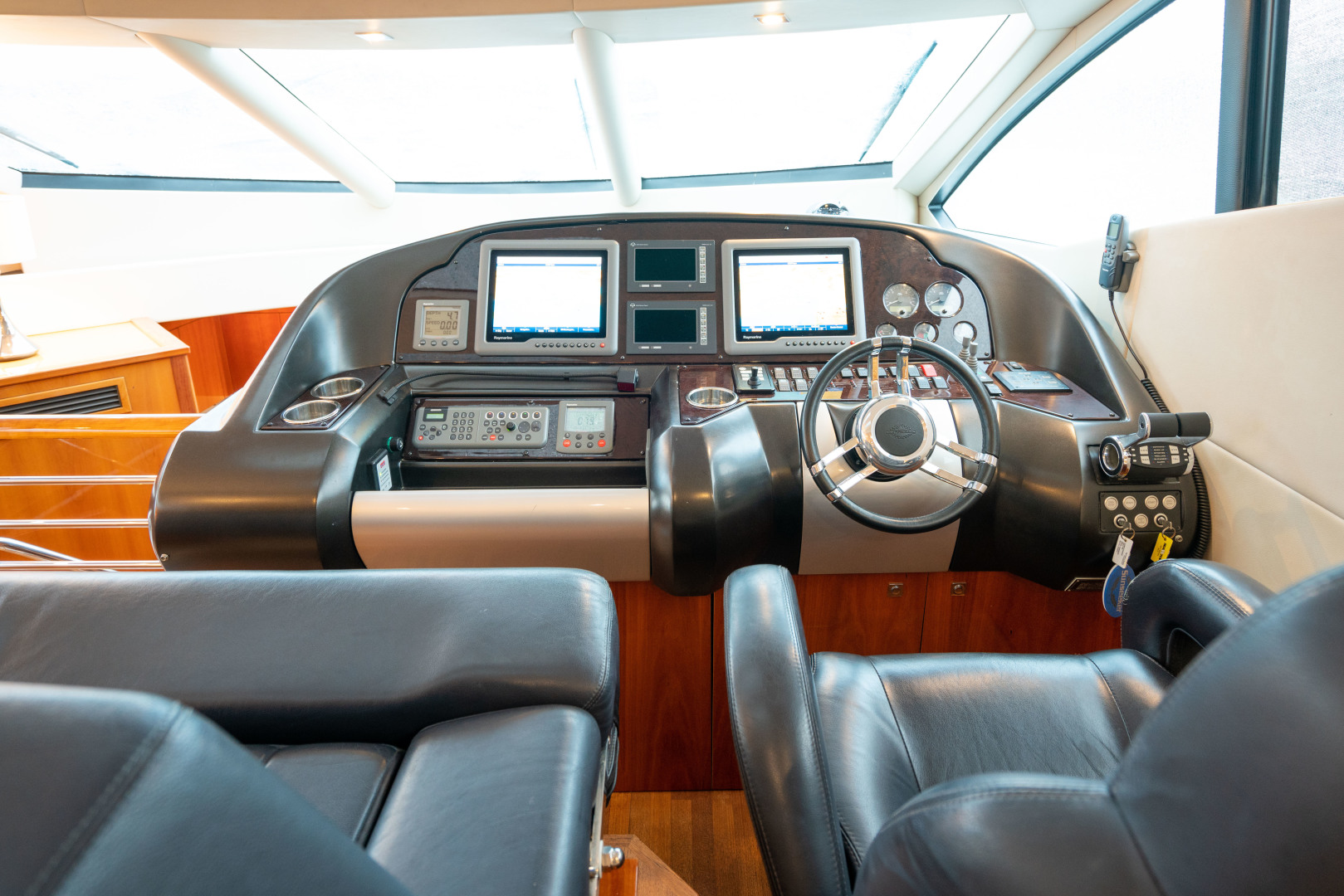 64 Sunseeker Helm