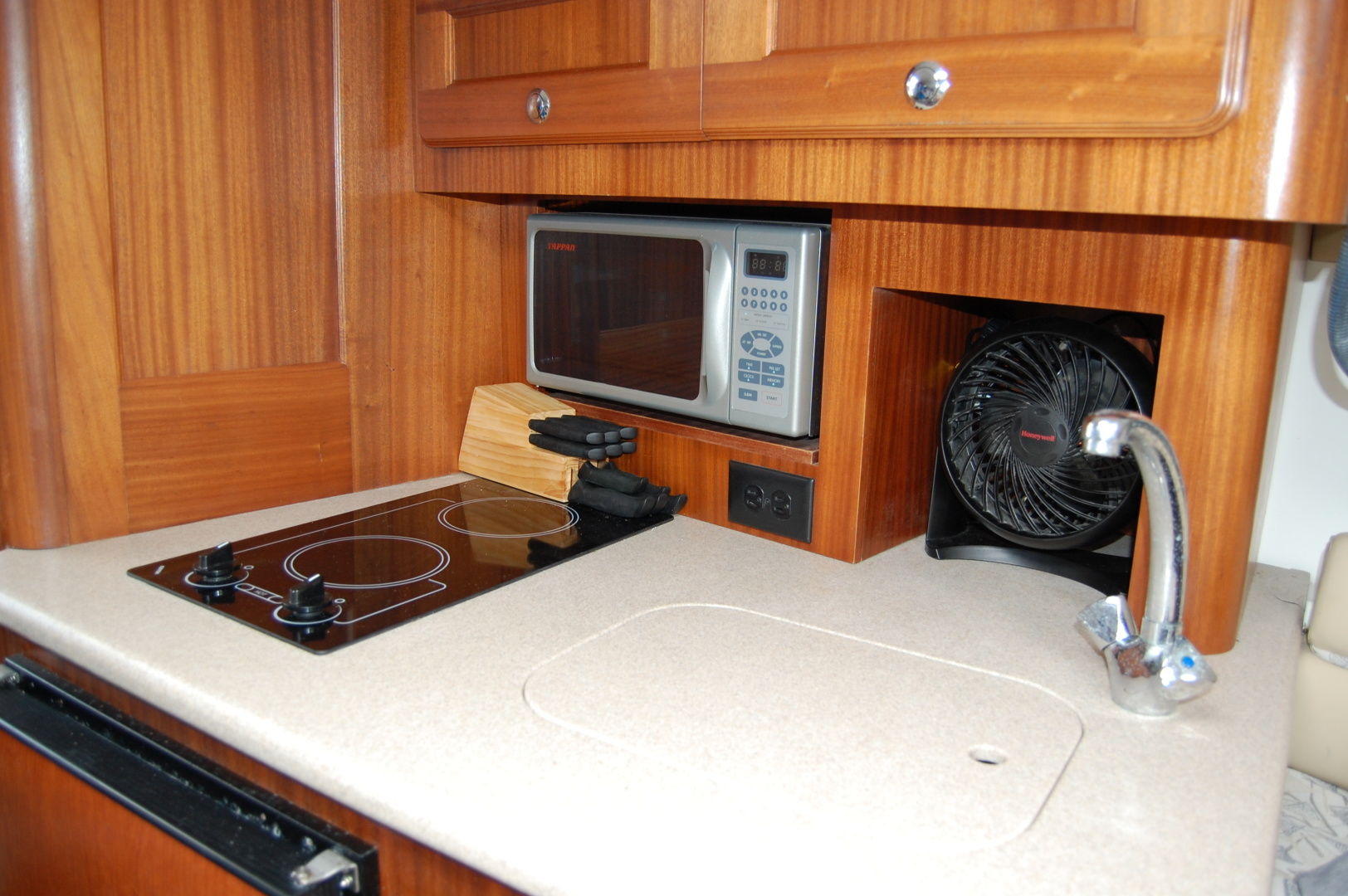 Pro-Line-35 Express 2006-Black Pearl Lighthouse Point-Florida-United States-1369908   Thumbnail
