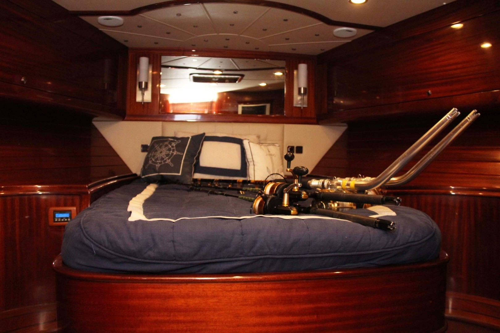 Vicem-Sportfish 2005 -Bradenton-Florida-United States-Forward Stateroom-1370840 | Thumbnail