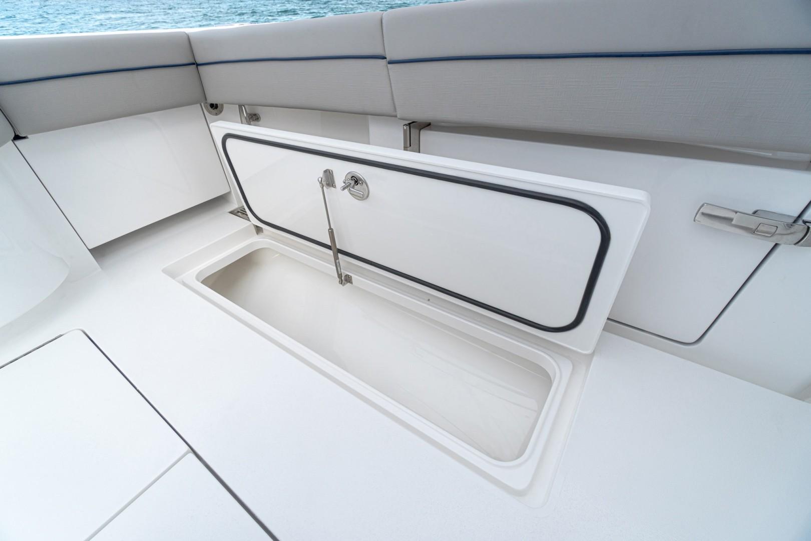 Valhalla 33 - Cockpit Storage