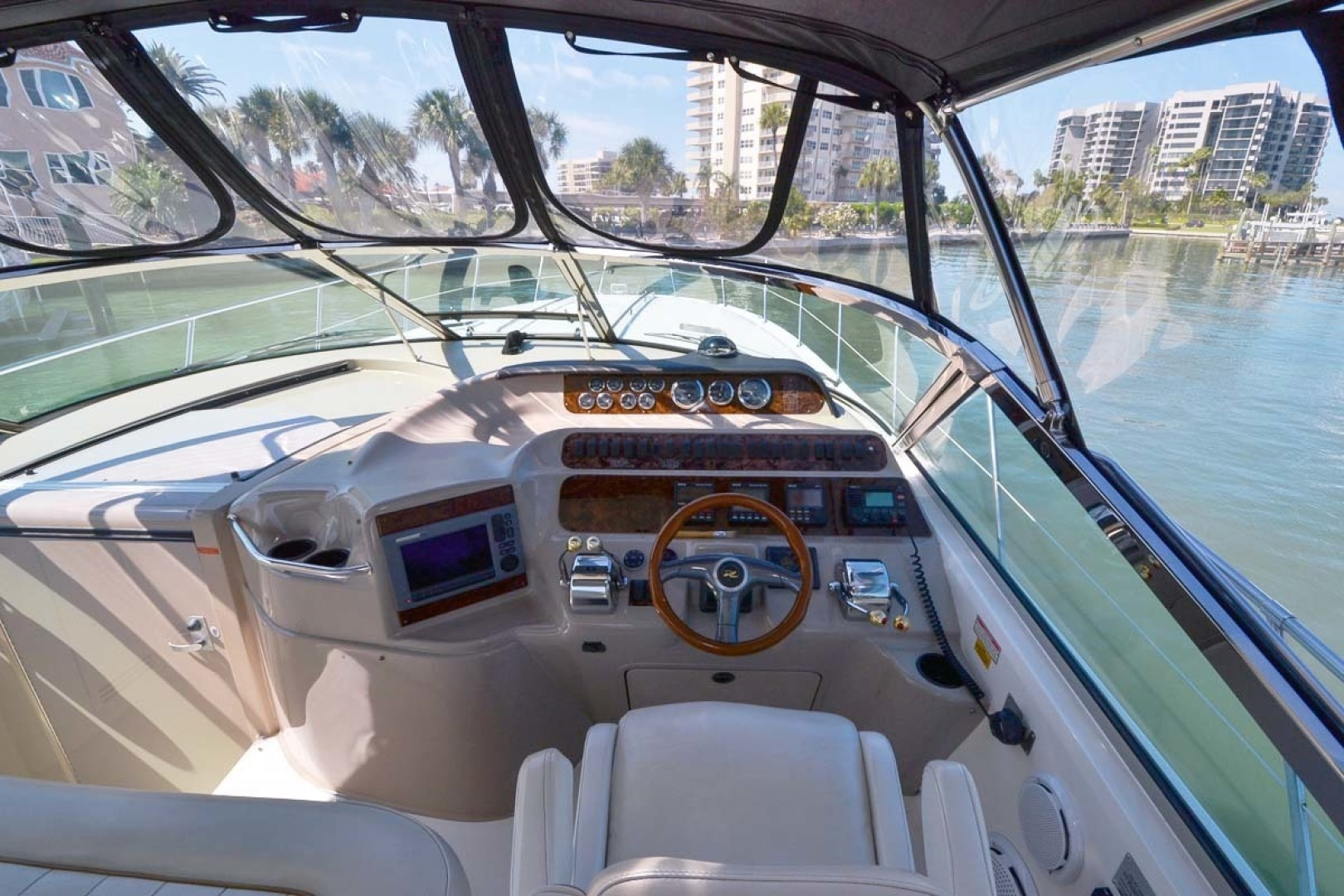 Sea Ray-400 Sundancer 1998-Daze Off Clearwater Beach-Florida-United States-Helm & Electronics-1371558 | Thumbnail