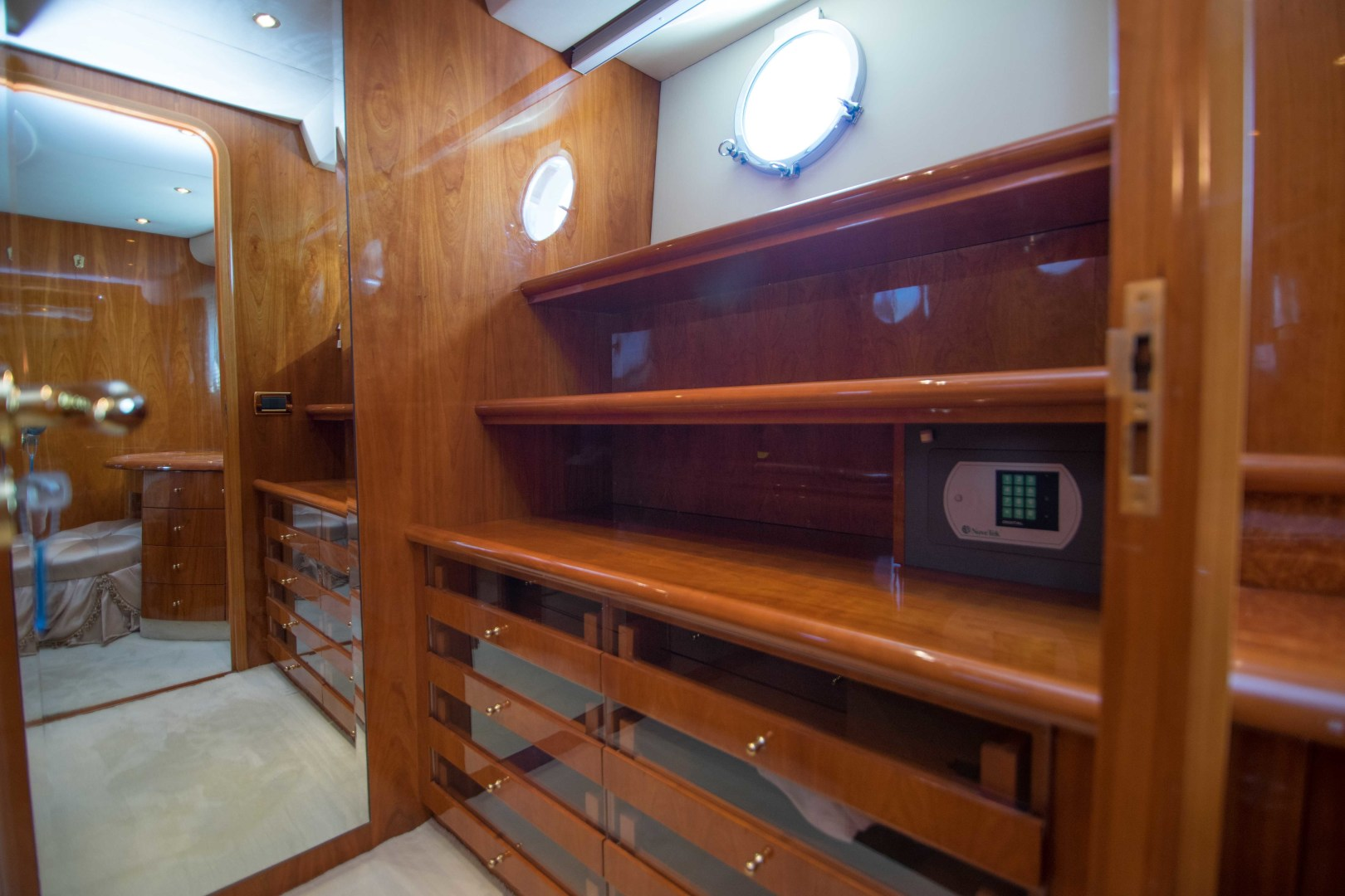 Azimut-Motor Yacht 2001-Enchanted Lady North Palm Beach-Florida-United States-Master Stateroom Closet-1372150 | Thumbnail