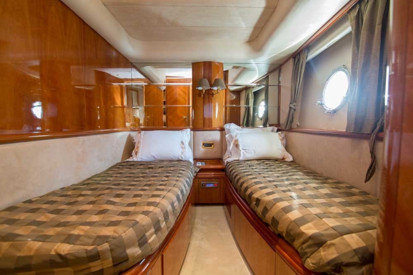Azimut-Motor Yacht 2001-Enchanted Lady North Palm Beach-Florida-United States-Guest Stateroom, Port-1372167 | Thumbnail