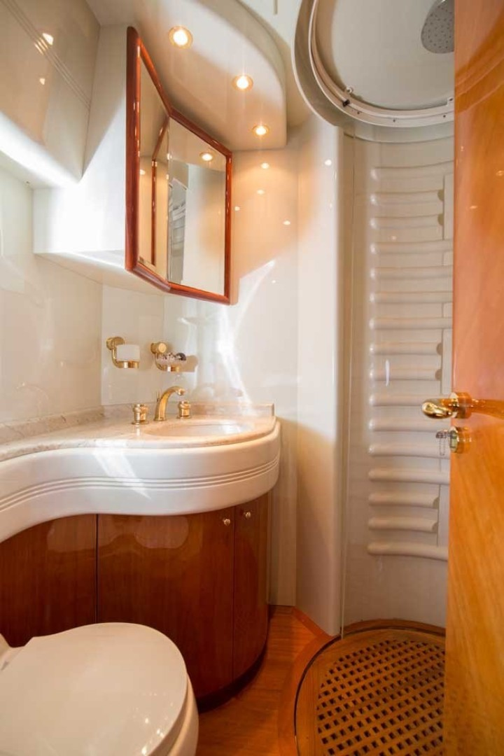 Azimut-Motor Yacht 2001-Enchanted Lady North Palm Beach-Florida-United States-Guest Stateroom Head, Port-1372169 | Thumbnail