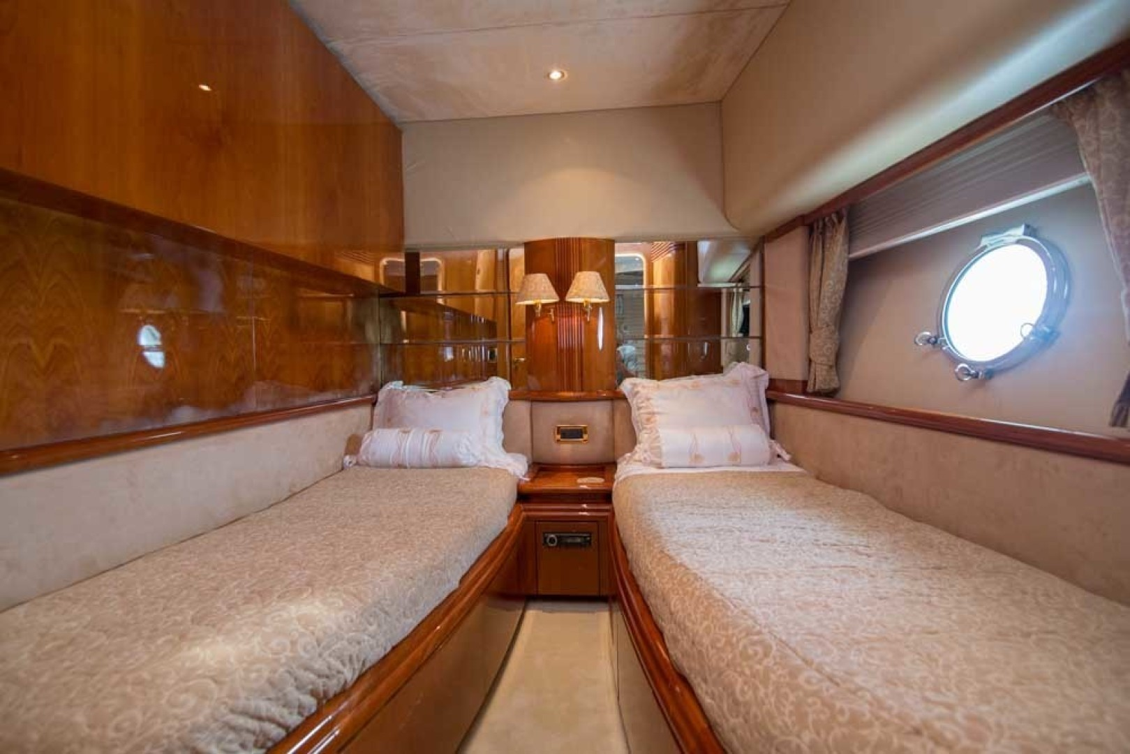 Azimut-Motor Yacht 2001-Enchanted Lady North Palm Beach-Florida-United States-Guest Stateroom, Starboard-1372175 | Thumbnail