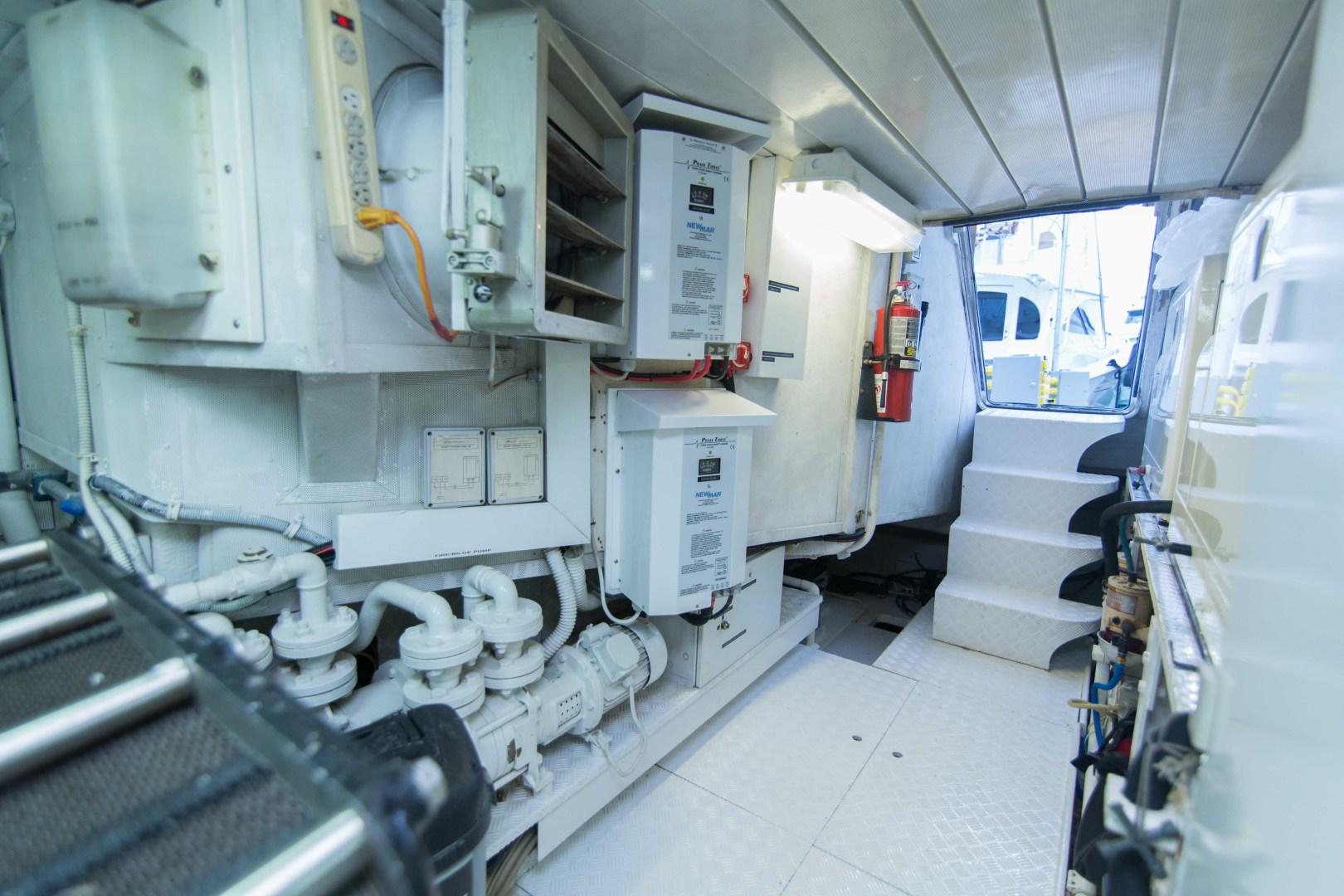 Azimut-Motor Yacht 2001-Enchanted Lady North Palm Beach-Florida-United States-Engine Room-1372253 | Thumbnail