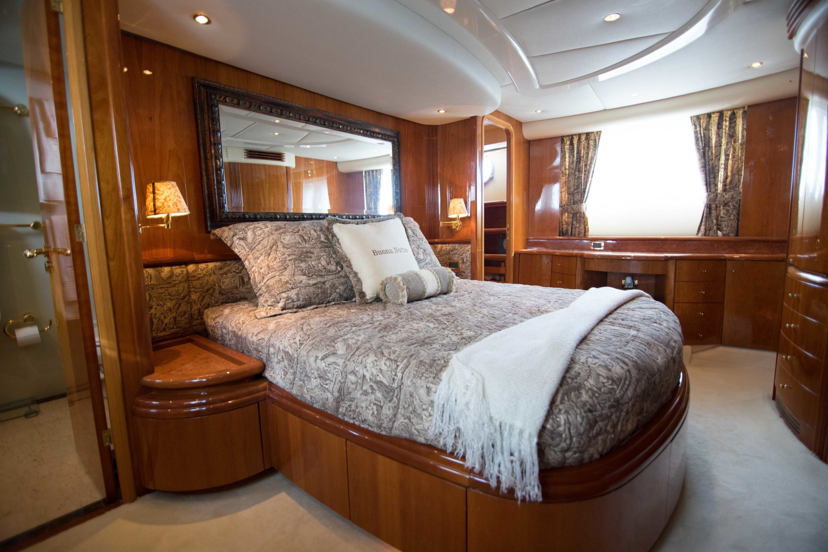 Azimut-Motor Yacht 2001-Enchanted Lady North Palm Beach-Florida-United States-Master Stateroom-1372148 | Thumbnail
