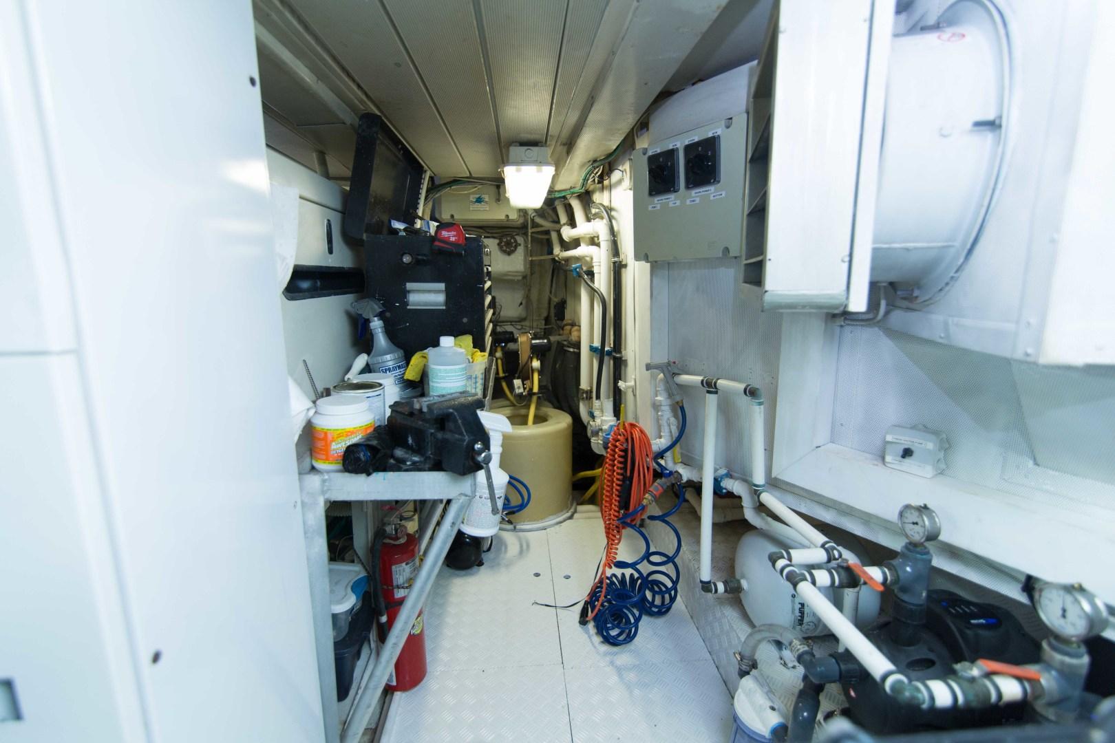 Azimut-Motor Yacht 2001-Enchanted Lady North Palm Beach-Florida-United States-Engine Room-1372259 | Thumbnail