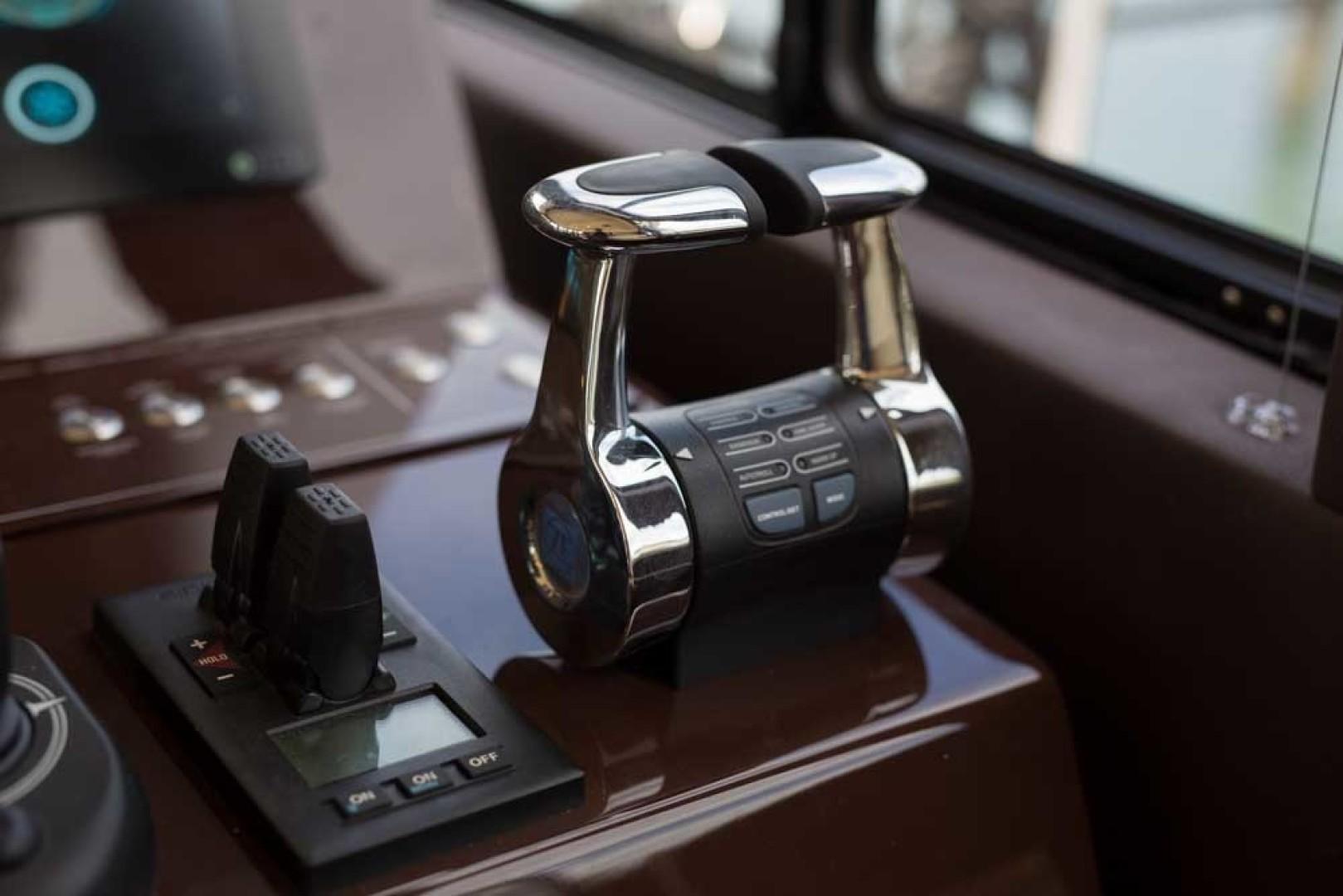 Sundeck-58 Sport 2019-LJ IV Singer Island-Florida-United States-Helm-1373003 | Thumbnail