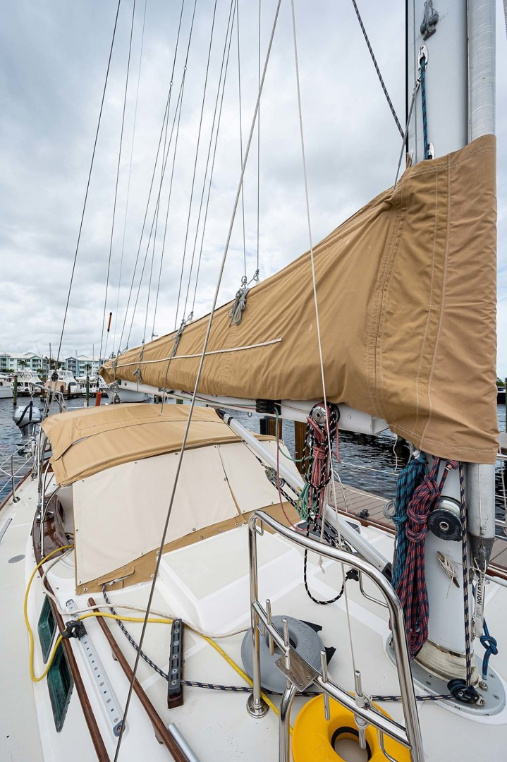 Kelly Peterson-Center Cockpit Cutter 1982-Stay Tuned Stuart-Florida-United States-Sail Covers And Bimini-1376145 | Thumbnail