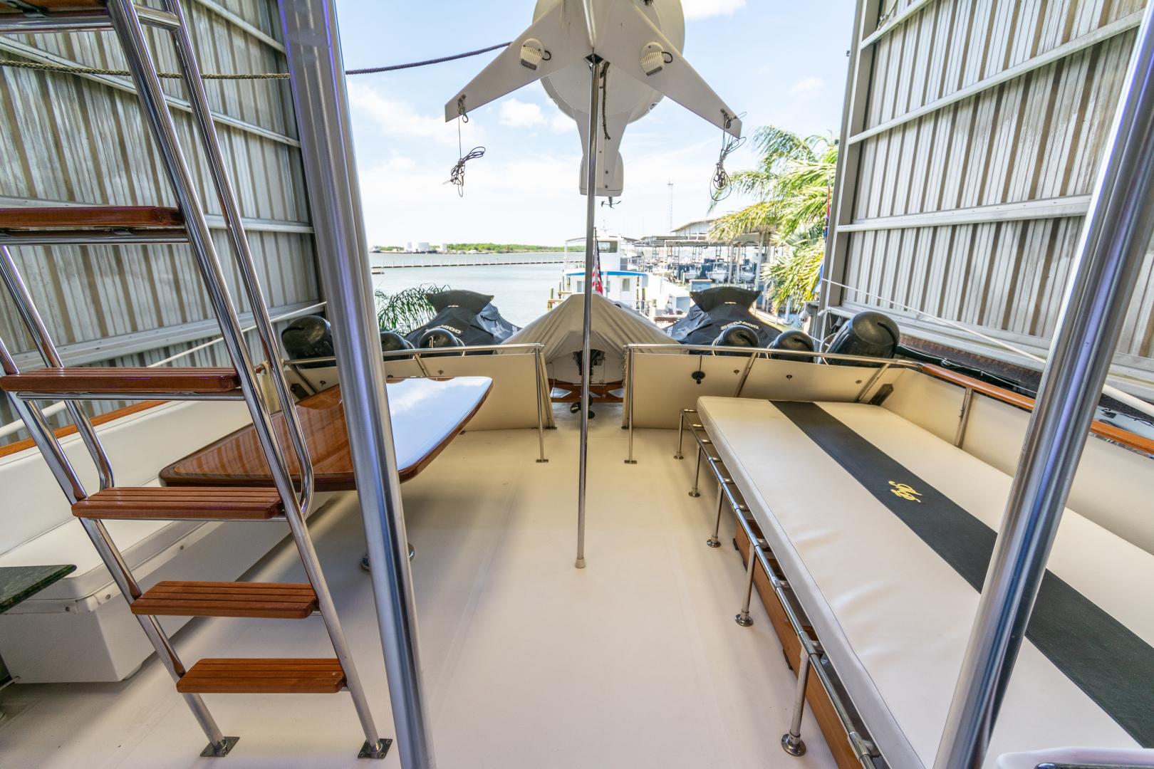 Jefferson-65 Motor Yacht 1989-Moon Palace Galveston-Texas-United States-Jefferson 65 Motor Yacht 1989 Moon Palace-1379165   Thumbnail