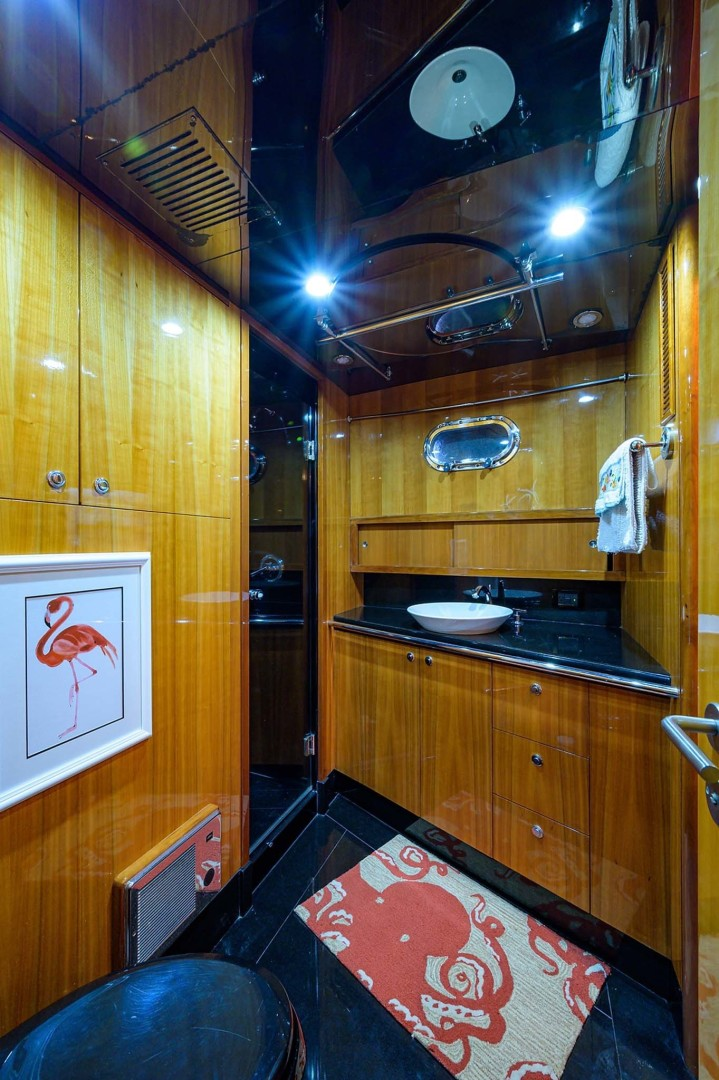 Queenship-Pilothouse Motor Yacht 1996-UNBRIDLED Stuart-Florida-United States-Mirrored Ceilings with Ample Lighting-1383307 | Thumbnail