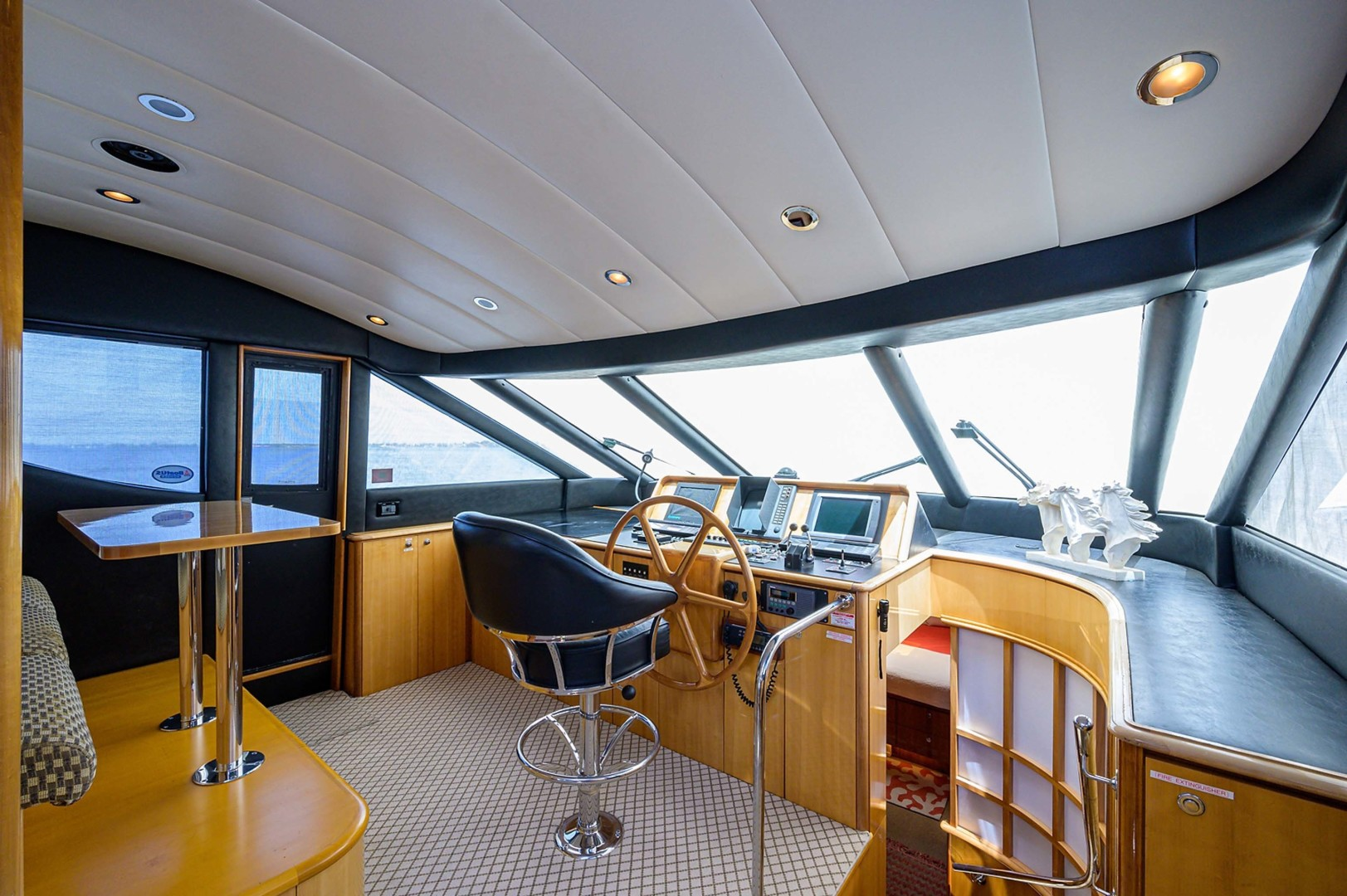 Queenship-Pilothouse Motor Yacht 1996-UNBRIDLED Stuart-Florida-United States-Centerline Helm with ample vision all around-1383269 | Thumbnail